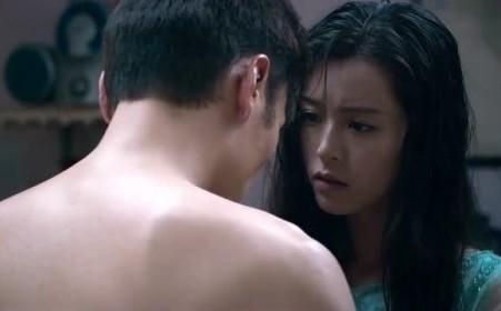 《凶手还未睡》文咏珊和许志安抚摸吻戏片段