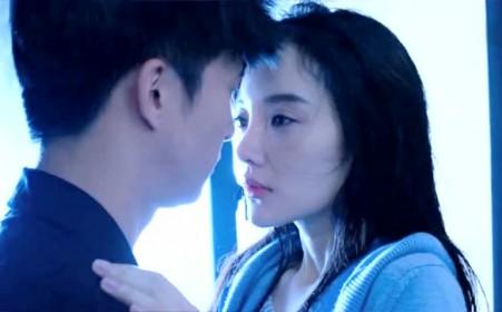薛之谦和李小璐浴室吻戏《我们的少年时代》片段!